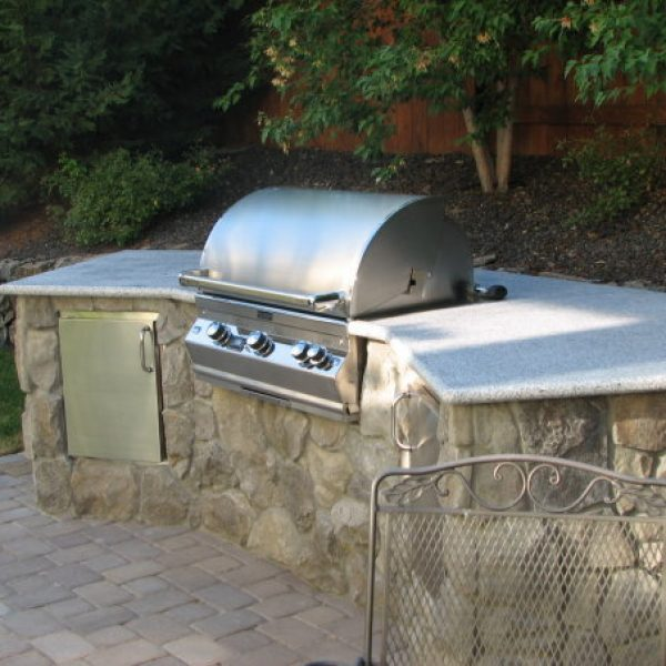 harris-landscape-construction-built-in-bbq-feature-reno