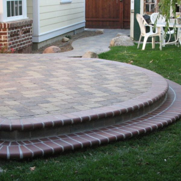 harris-landscape-construction-reno-paver-patio-with-steps