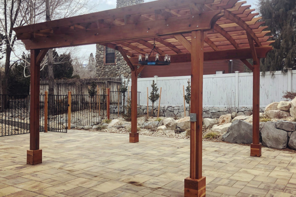 harris-landscape-construction-reno-curved-pergola