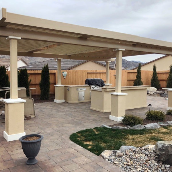 harris-landscape-construction-reno-outdoor-kitchen-and-pavers