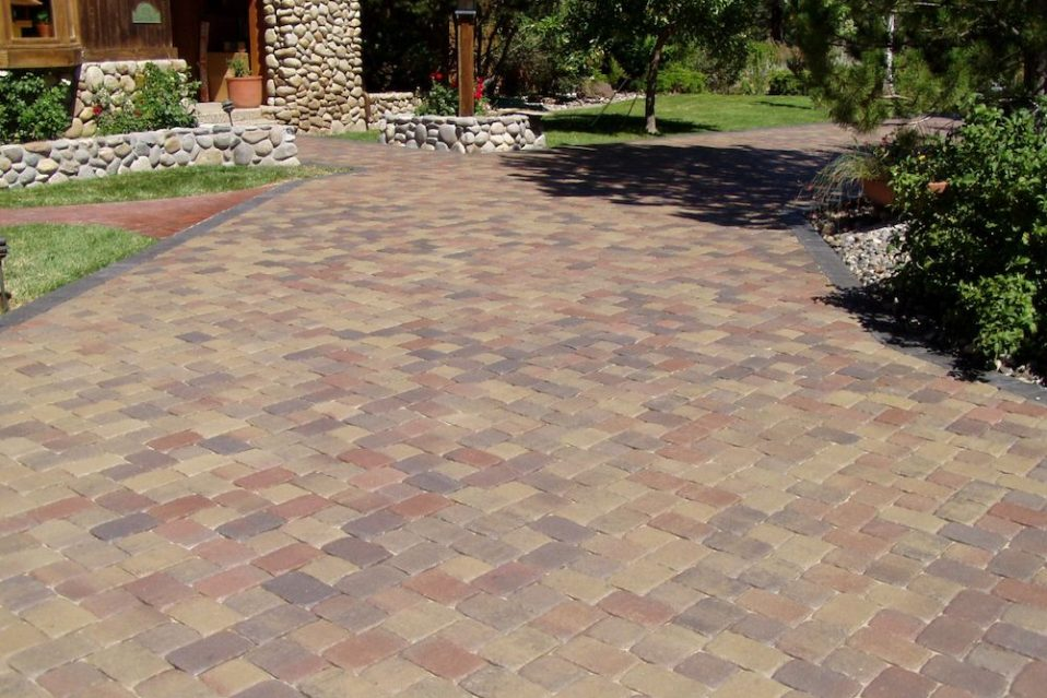 5 Reasons Your Northern Nevada Landscape Needs Pavers Not