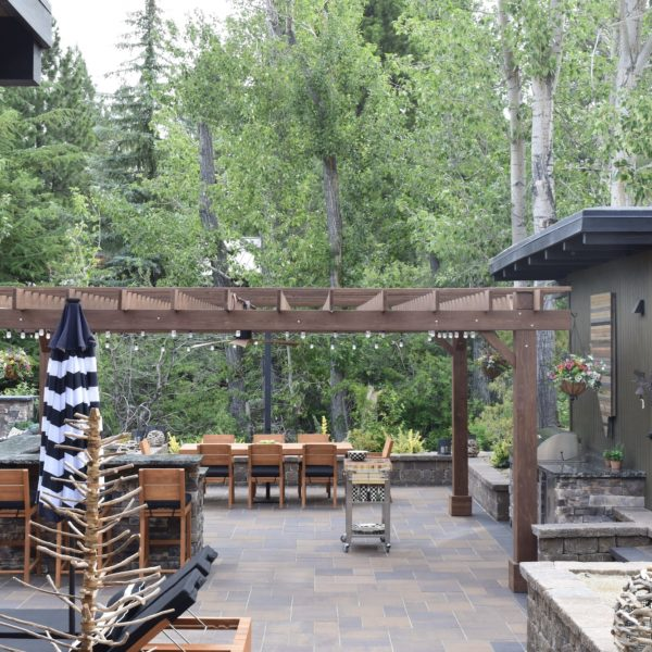 harris-landscape-construction-reno-outdoor-bar-pergola