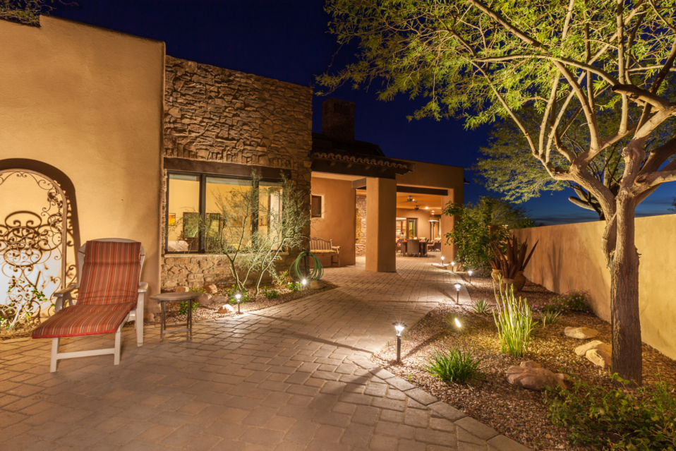 residential-landscape-lighting-reno